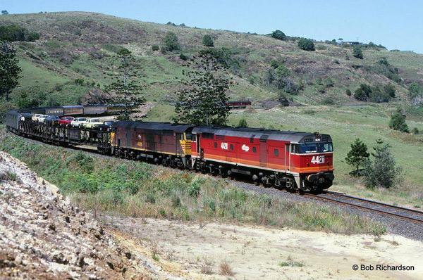 42211+44226-N3-GCM-Byron-Bay-1986_photo-Bob-Richardson